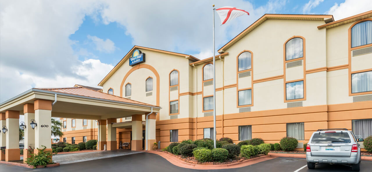 Surprising Hotel In Prattville Alabama Days Inn And Suites Prattville Download Free Architecture Designs Scobabritishbridgeorg